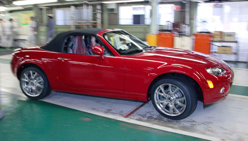https://www.miata.net/news/images/Mazda%20MX-5.Roadster.jpg